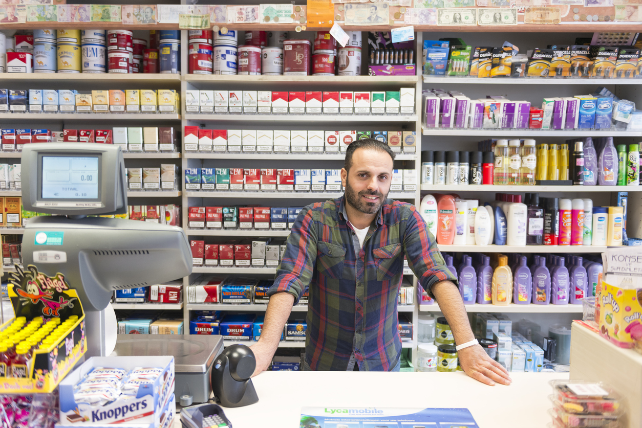 How to Become a Convenience Store Owner